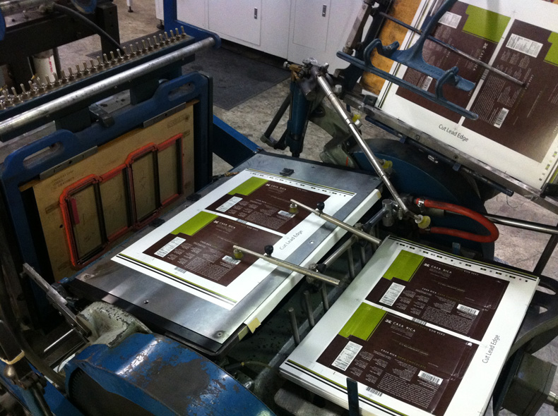 Folding and Gluing Printing in Schaumburg, IL